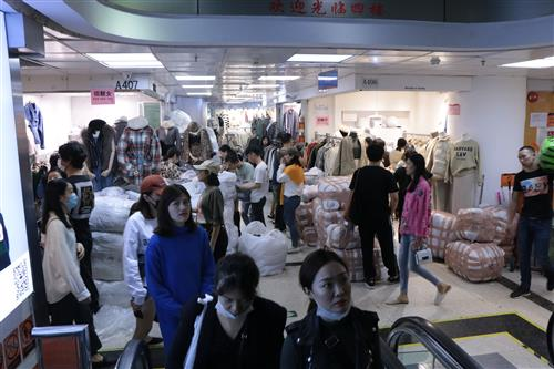 Guangzhou clothing market- Export from China