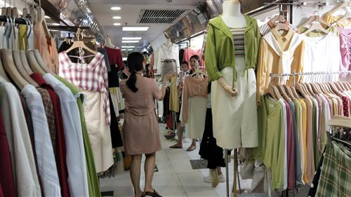 Purchasing garment from Guangzhou wholesale market - China agent sourcing fashion product