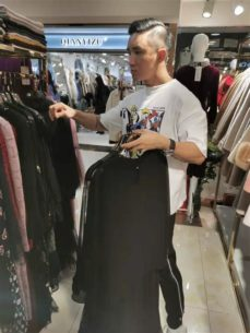 Fashion Buyer Purchase Lady Dresses In China Clothes Wholesale Market