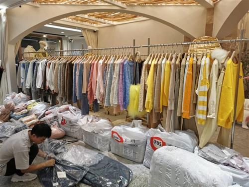 Guangzhou garment product wholesale market - China purchasing agent