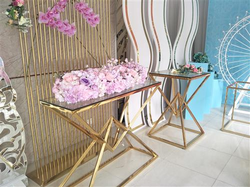Wedding decor with artificial flowers and metal material furniture products - Buy from Guangzhou wholesale market